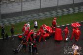 图文:F1马来西亚大奖赛 雨中的法拉利