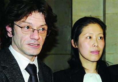 ■法籍律师任晓红(右)