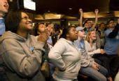 图文:NCAA全美篮球总决赛 激动球迷