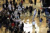 图文:NCAA全美篮球总决赛 热闹一片