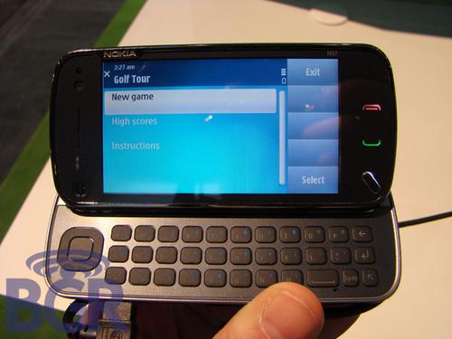 图为:诺基亚N97手机-诺基亚 VS HTC 两巨头2009强机全攻略