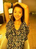 [09上海车展]名模裴蓓领军荣威 精彩个人写真