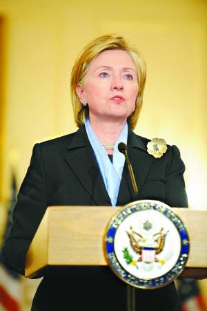 美国国务卿希拉里·克林顿9日表示,全球应采取联合行动,对抗海盗活动。