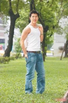 黄少祺是贾静雯新戏《侬本多情》的男主角