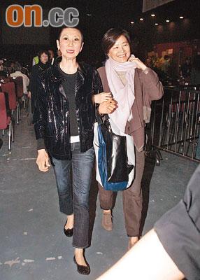 施南生(左)未有否认邀林青霞演武则天一角(资料图片)