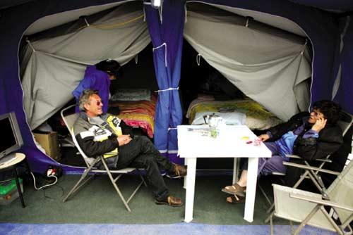 意大利灾民要在帐篷中过复活节