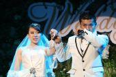 图:丫蛋王金龙结婚-王金龙感动落泪