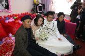图:丫蛋结婚新郎王金龙迎亲