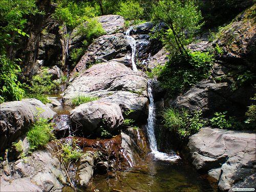 双龙峡自然风景区