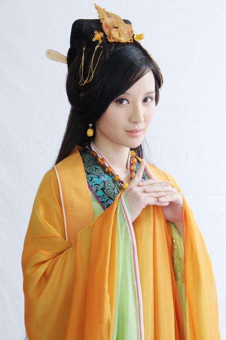 张萌在神话里的角色_张萌,电视剧《神话》女主角,拍过什么激情戏吗?