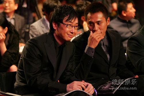 图:《南京!南京!》北京首映 刘烨与陆川交谈