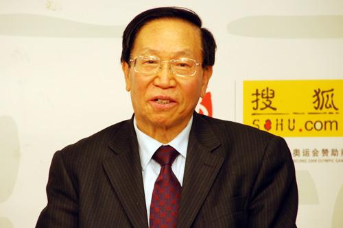 中国驻英国、爱尔兰使馆前教育参赞王百哲先生做客搜狐出国会客厅