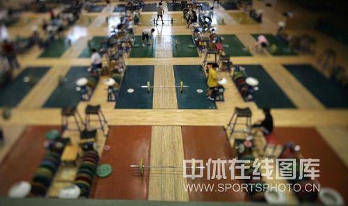 黄金:中国举重队在京v黄金队员静待源码86杠铃赛马图文图片