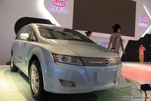 新能源汽车领军 比亚迪闪亮09上海车展高清图片