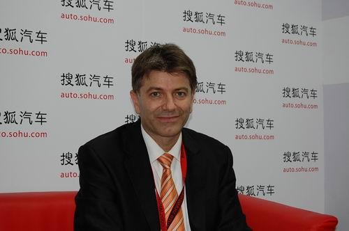 标致中国总经理梅野