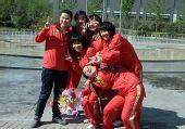 图文:胡军夺10米气手枪冠军 中国队员庆祝