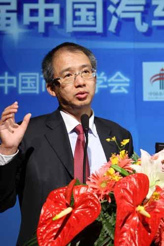 新华信国际信息咨询有限公司总裁 林雷
