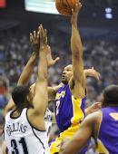 图文:[NBA季后赛]湖人VS爵士 费舍尔勾手