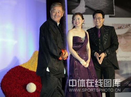 图文:李佳薇李超婚礼现场 赵本山上台祝贺