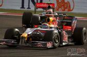 图文:F1巴林大奖赛正赛 韦伯在弯道中