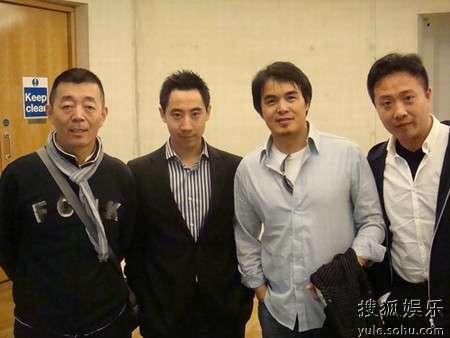 顾长卫与电影节高层孔祥曦、陈大明、杨述在后台(从左至右)