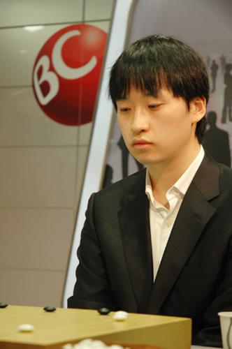 图文:BC卡杯决赛首局开战 赵汉乘落败显失望