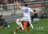 图文:[中超]天津0-1山东 路易斯让人体会跨辱