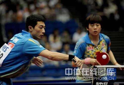 李平曹臻在比赛中