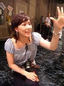 图文:世乒赛日本美女主播助阵 正在工作