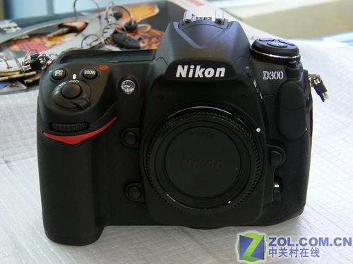 图为:尼康数码单反相机D300-搭配一镜走天下 尼康D300套机13888元