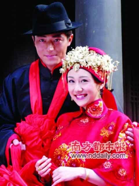 刘芸(右)戏中很悲惨,与霍建华、陈思成都有感情纠葛