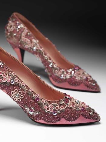 为Dior设计的晚装鞋