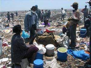 赛内加尔首都达喀尔郊区的垃圾场