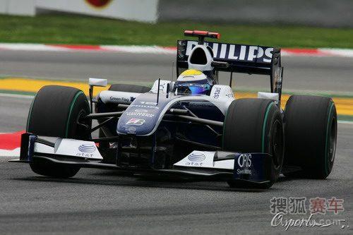 图文:F1西班牙站排位赛 罗斯伯格过弯瞬间