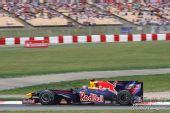 图文:F1西班牙站排位赛 韦伯在比赛中
