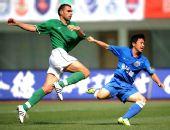 图文:[中超]长沙1-0杭州 双方愿做比翼鸟