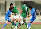 图文:[中超]长沙1-0杭州 八条大腿在纠缠