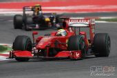 图文:F1西班牙大奖赛正赛 马萨驶过连续弯