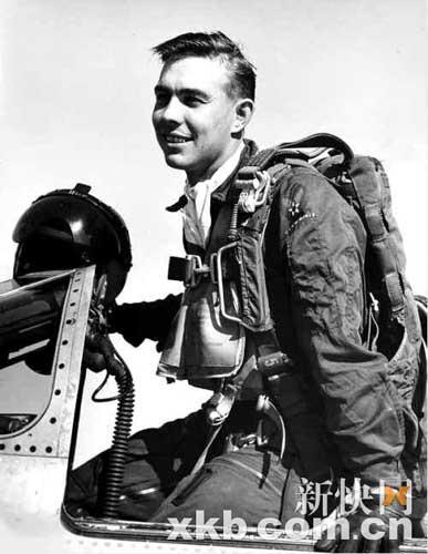 朝鲜战争中被中国飞行员击落后跳伞被捕的美国飞行员哈罗德·费希尔去世