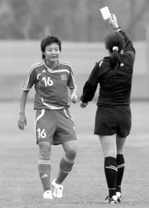 □女足预赛出现不少争议场面 CFP资料图片