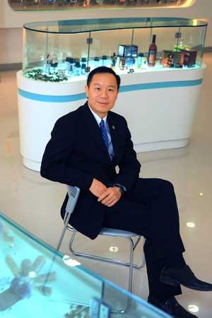 如新中国常务副总裁郑重