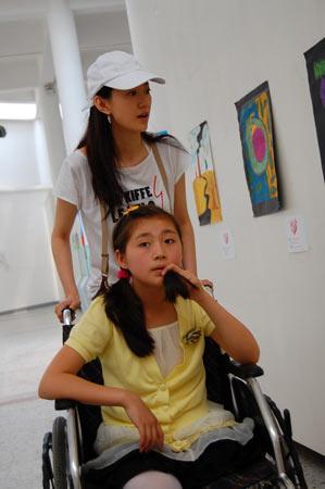 汶川地震儿童画展