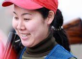 图文:陆星妤获女子多向银牌 露出开心笑容