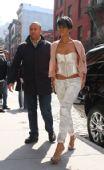 好莱坞一周潮人街拍:蕾哈娜 4