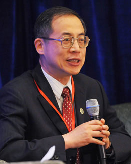 中华人民共和国工业和信息化部总工程师、运行监测协调局局长朱宏任
