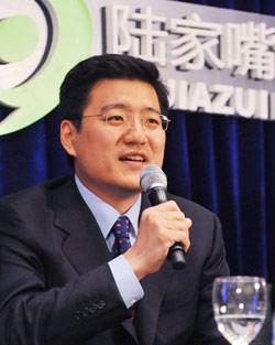 中国银行业监管理委员会统计部主任兼研究局局长刘春航