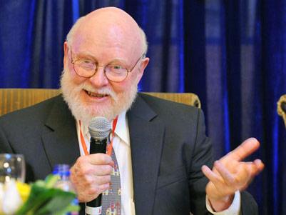 美国斯坦福大学威廉·依贝尔国际经济学教授罗纳德·麦金农
