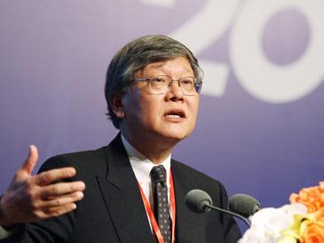 中国银行业监督管理委员会首席顾问、香港证券及期货事务监察委员会前主席沈联涛