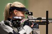 图文:德国站女子10米气步枪 德国选手高斯