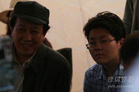 唐国强和儿子颇有父子相